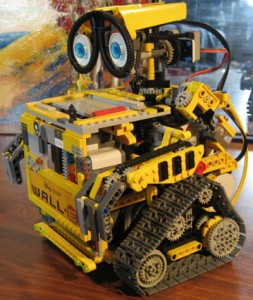 Lego WALL-E by Bizmarc
